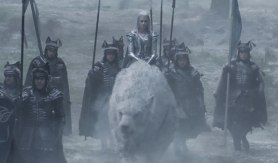 the-huntsman-emily-blunt-rides-a-polar-bear